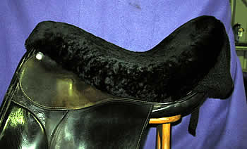 Sheepskin seatsaver in black for Dressage/All purpose saddles